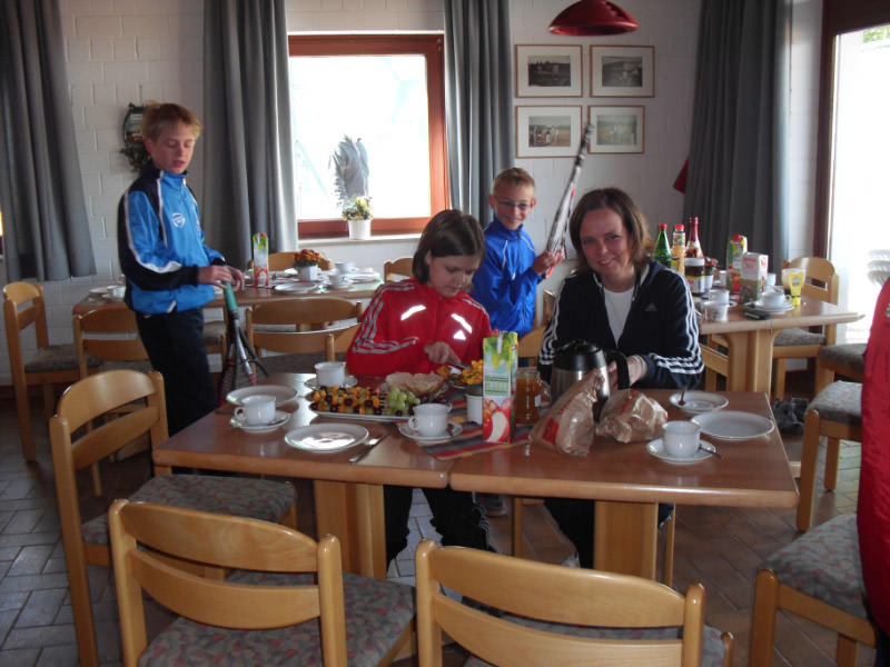 Tennis - VfR Weddel - 2010 - Jugendtag3